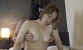 无码A片中出性感美人妻 出轨性交视频 玩弄美奶